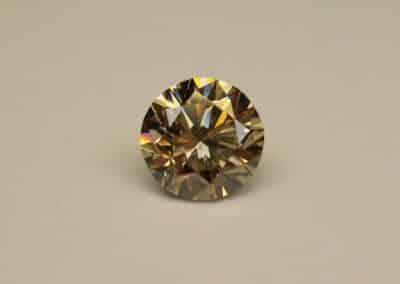 Diamant naturel de couleur fantaisie - Natural diamond